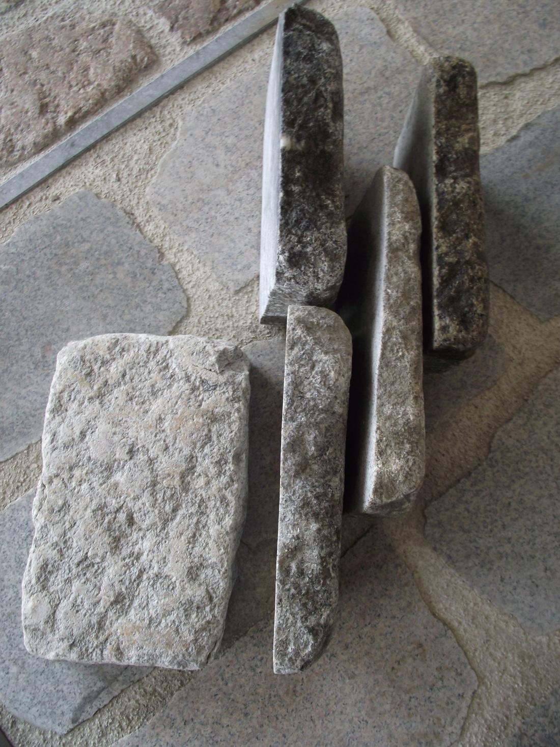 Matériaux anciens_Pavés faible épaisseur_tête de pavé