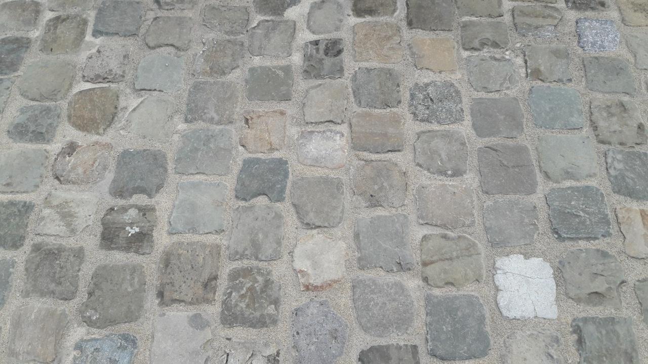 paves_entiers_récupération_granit_Versailles