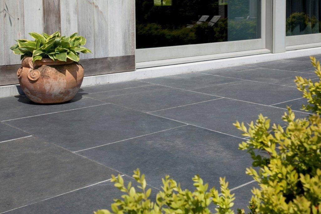 Comment nettoyer la pierre naturelle en extérieur