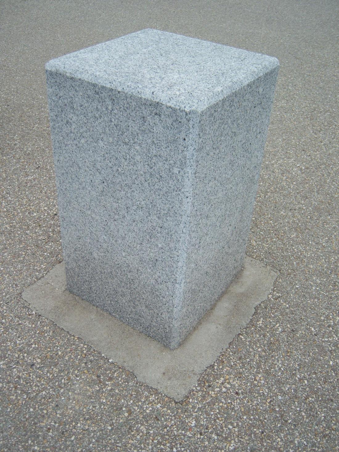 Pierres Naturelles_Granit_Alto_Duro_Bornes_Mobiliers