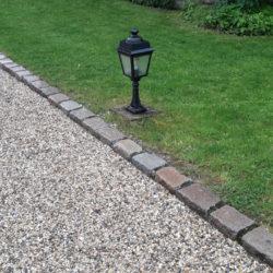 Pavés en granit de Paris au dessus scié au cottage Bise à Talloires en haute Savoie