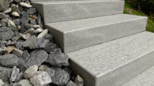 Meribel_escalier1_pierre des alpes