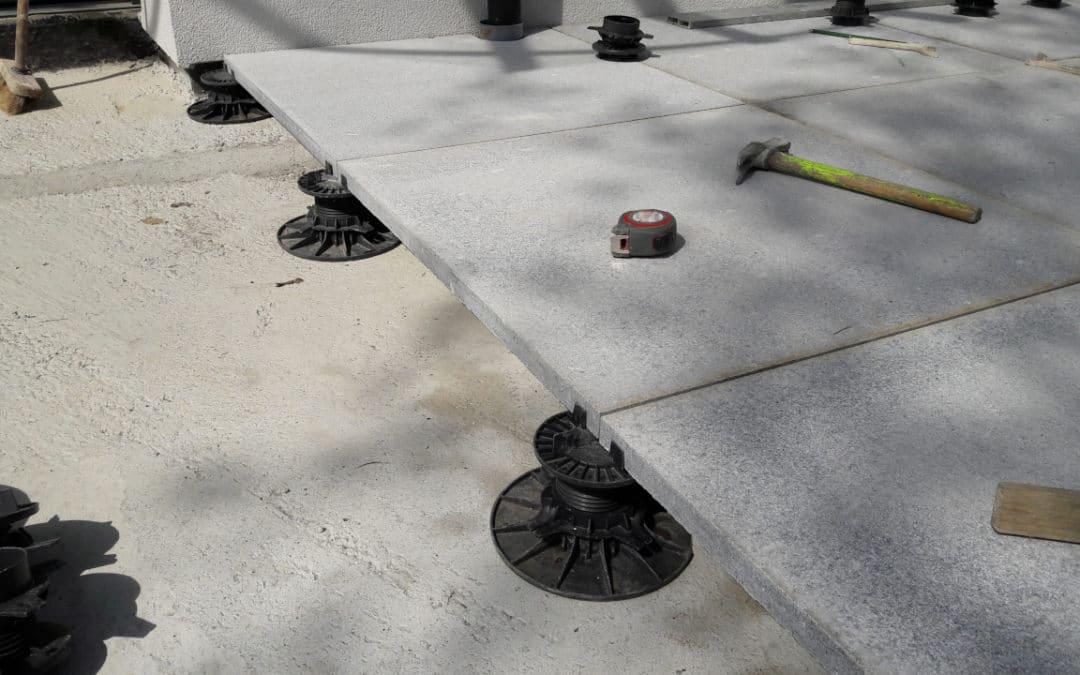 Exemple de dalles avec une pose sur plots