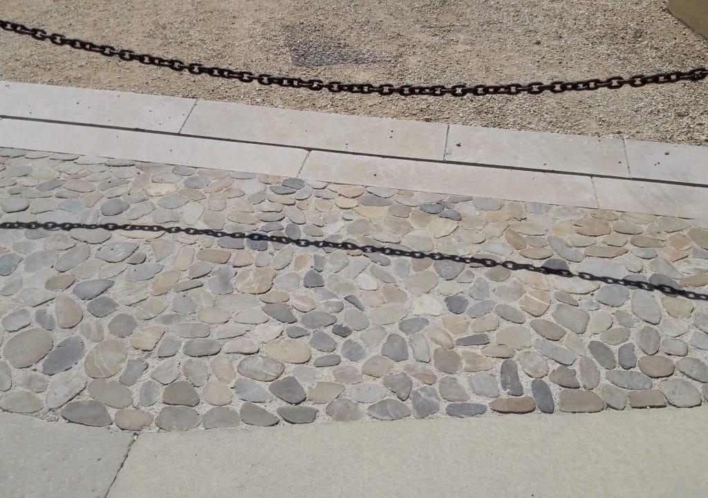 Provencal sawn river cobbles