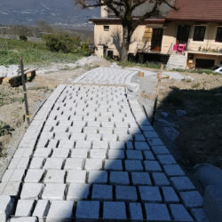 Escalier paysager en granit et chêne