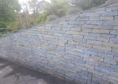 Mur en barrette en pierre des Alpes