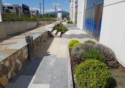 Jardin paysager Nobléma pierres et pavés